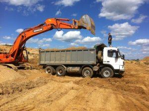 доставка песка в Твери цены за куб